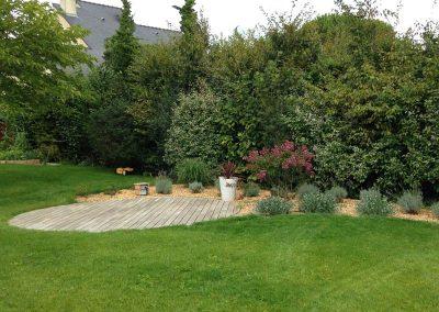 terrasse-bois-ronde-acacia-robinier-couleur-jardin-2