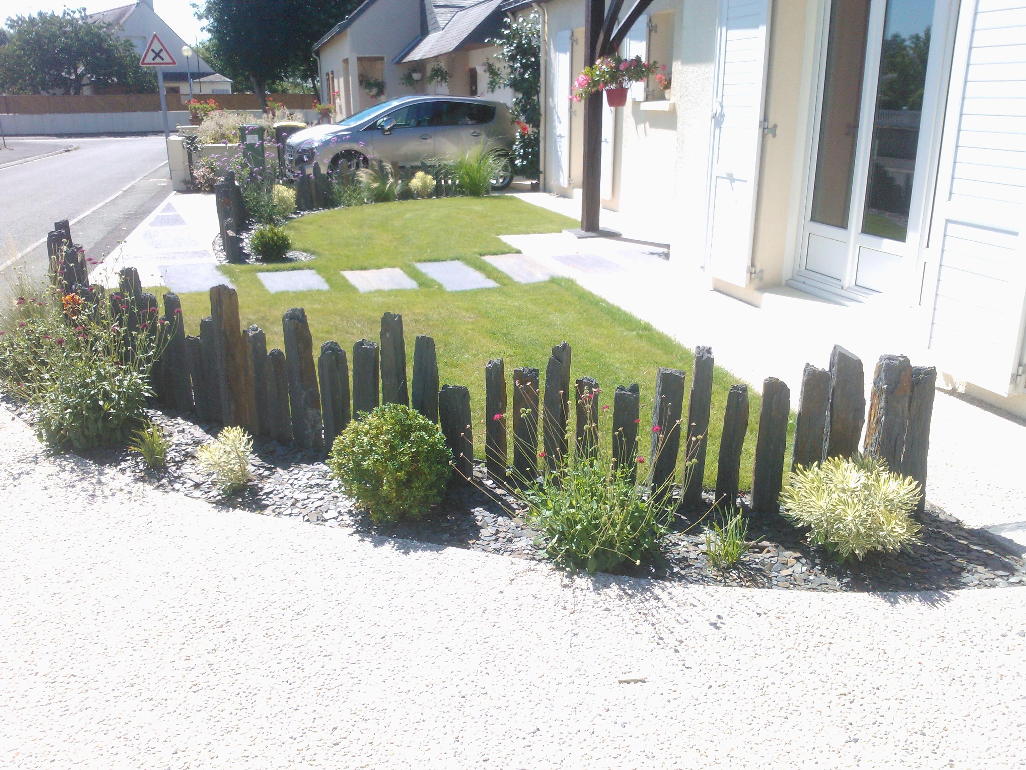 Piquets d ardoise couleur jardin for Piquet decoratif jardin