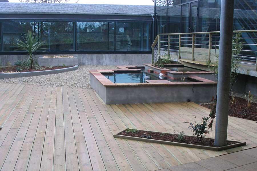 Am nagement d un patio d h tel de ville couleur jardin - Couleur de teinture pour patio ...