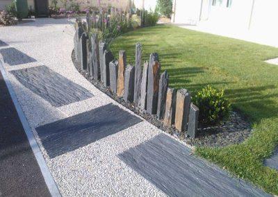 Couleur jardin paysagiste angers entretien jardins for Piquets d ardoise