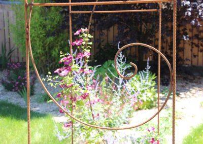 arche_metal_couleur_jardin_nombre_d_or