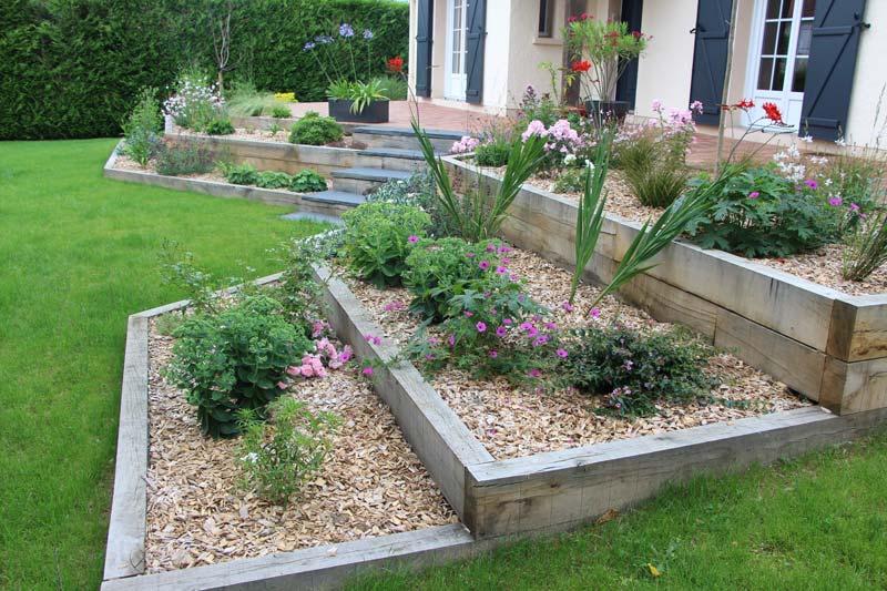 Couleur jardin paysagiste angers entretien jardins for Entretien jardin 64