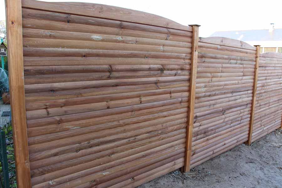 Claustras en pin trait couleur jardin - Palissade en bois pour jardin ...