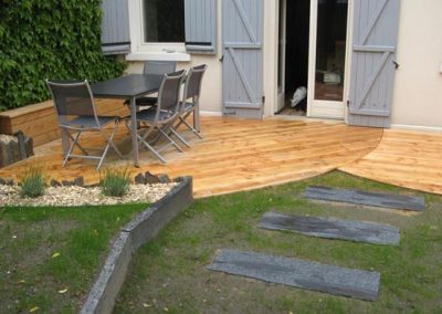 portfolio-amenagement-jardin-terrasse-bois-paillis-ardoise2
