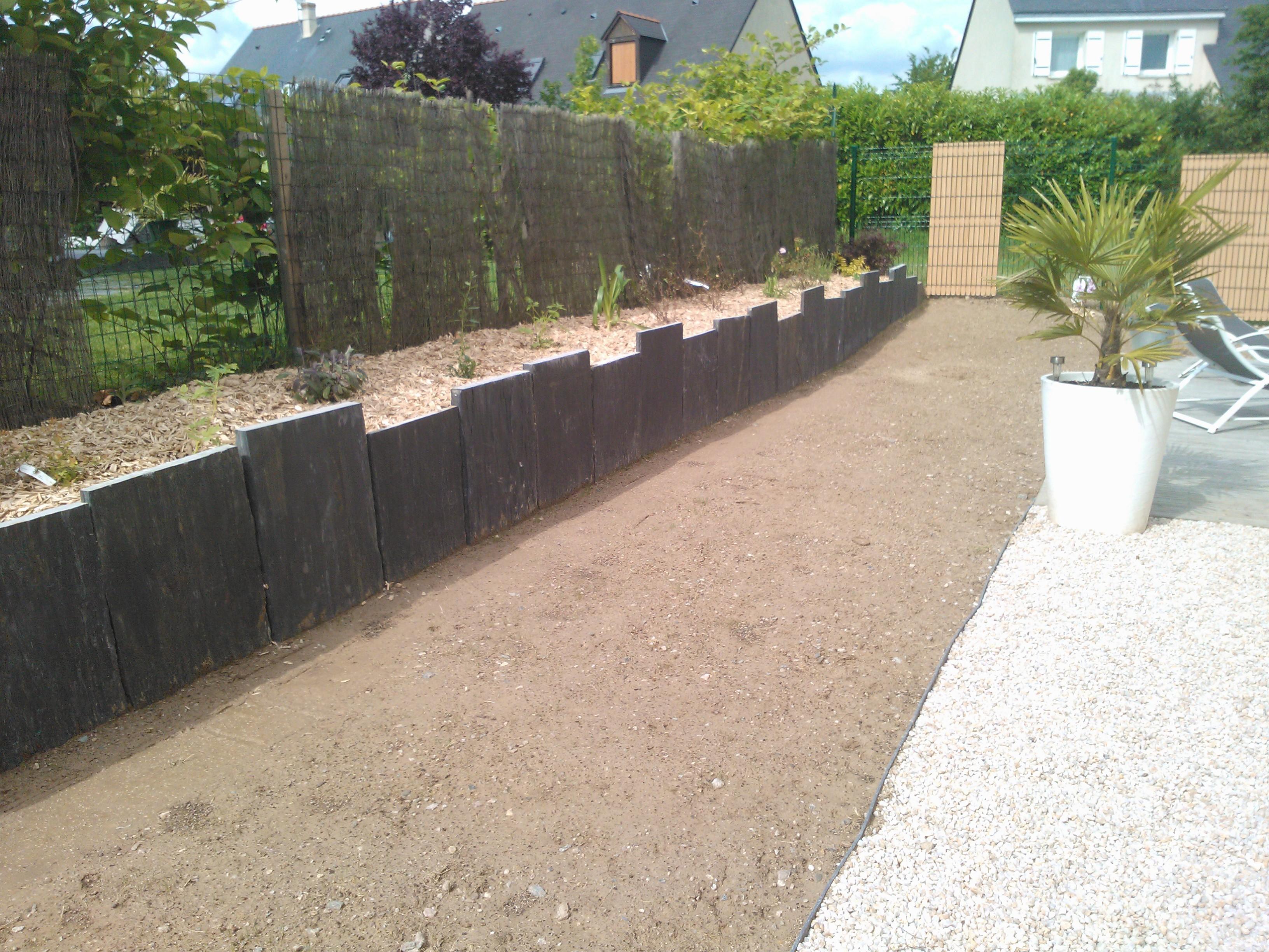 Paillis verticaux couleur jardin for Entreprise paysagiste 78