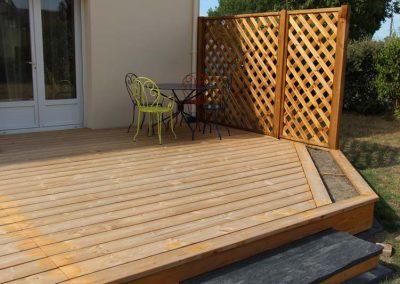 terrasse_bois_douglas_treillis_caracas_couleur_jardin_1