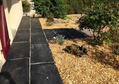 terrasse_paillis_ardoise_couleur_jardin_angers_2