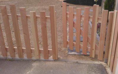 Barrières en planches verticales