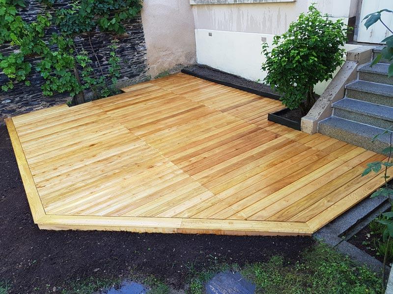 r alisation d 39 une nouvelle terrasse en bois couleur jardin. Black Bedroom Furniture Sets. Home Design Ideas
