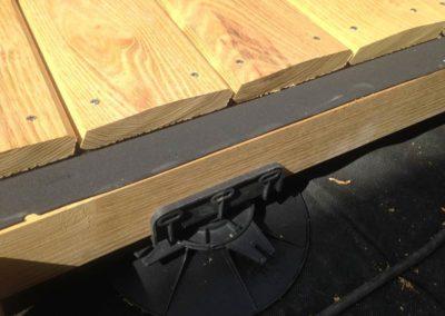 terrasse-robinier-acacia-angers-plots-PVC-bande-bitumineuse